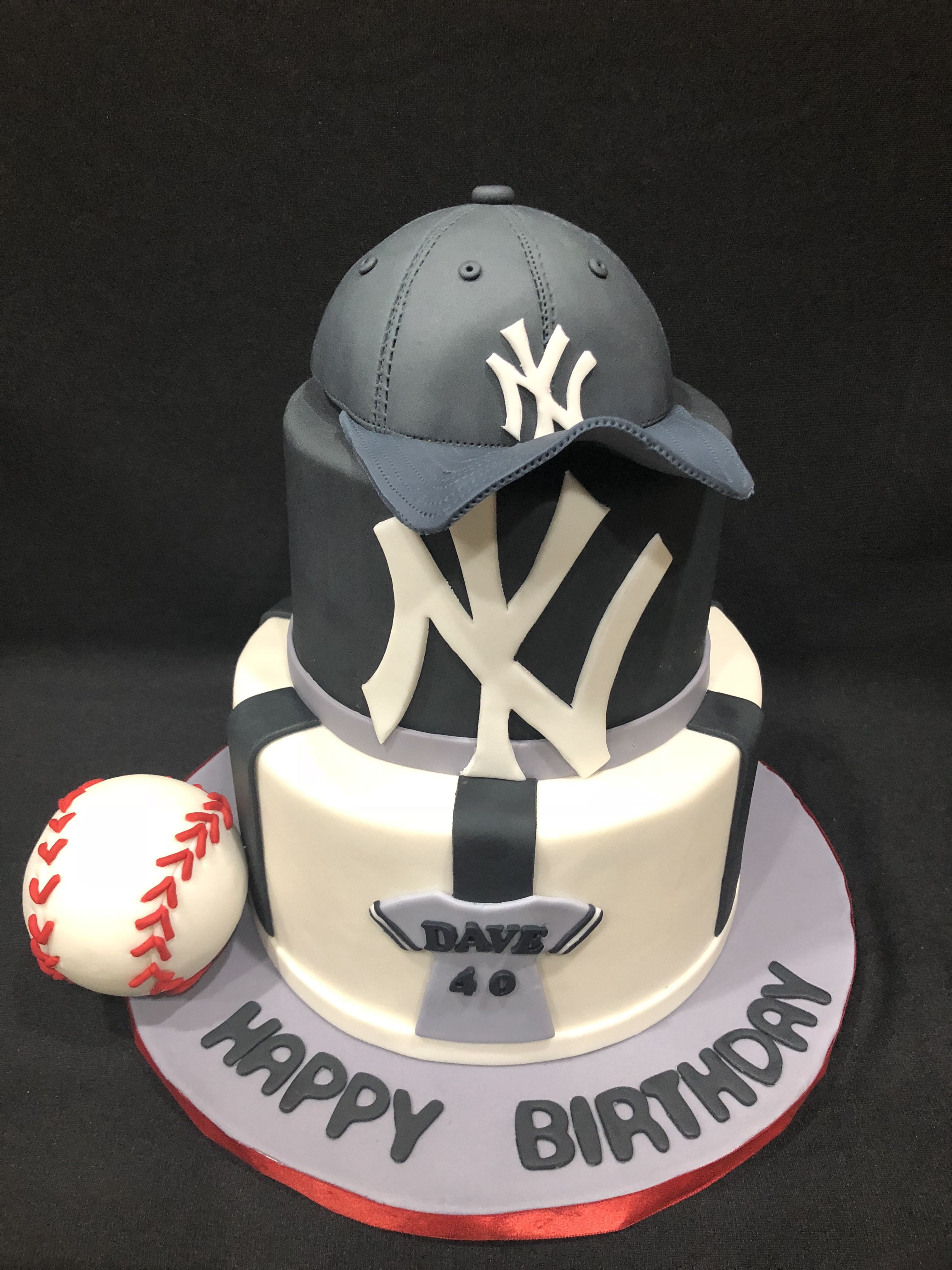 Phenomenal New York Yankees Birthday Cake With Images Yankees Birthday Funny Birthday Cards Online Benoljebrpdamsfinfo