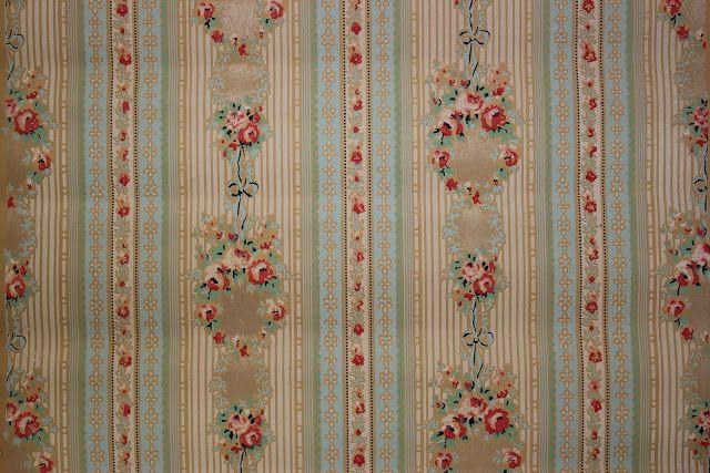 Rosies Vintage Wallpaper