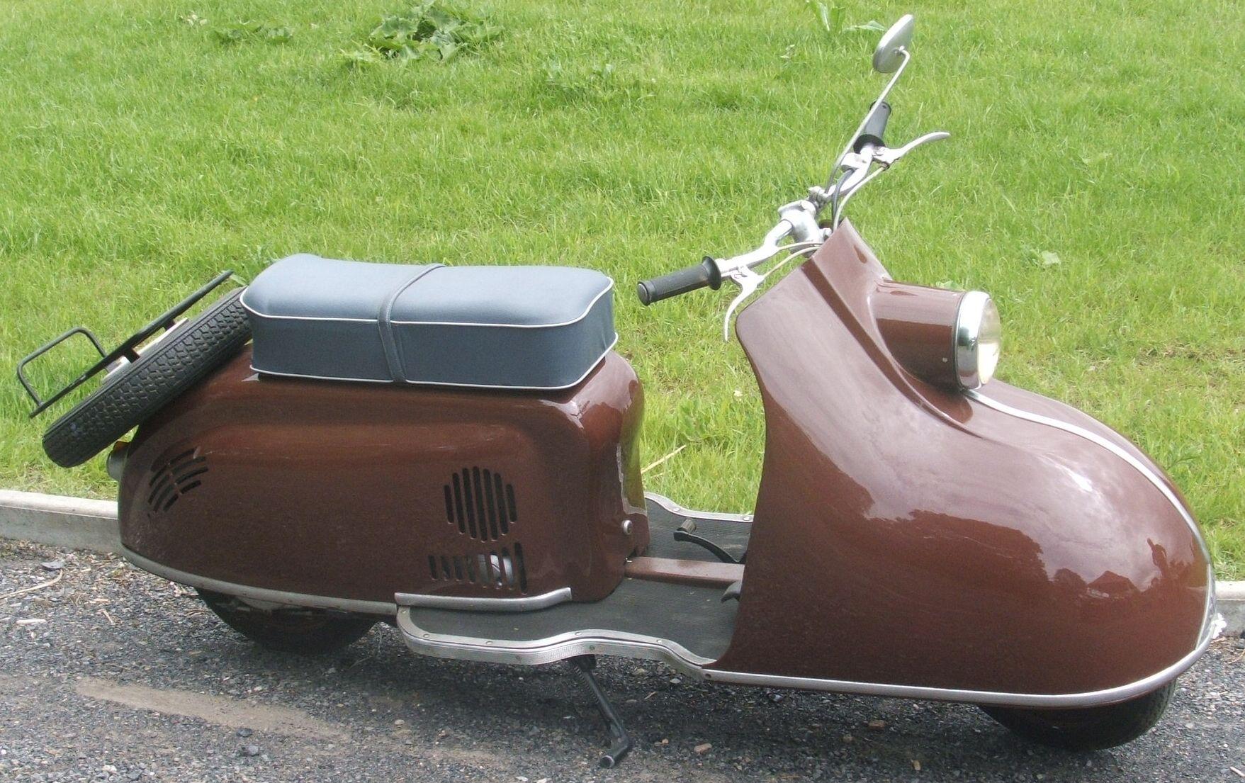 der pitty war ein motorroller modell in der ddr er wurde. Black Bedroom Furniture Sets. Home Design Ideas
