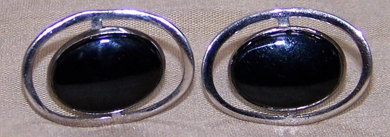 Set of Swank Floating Oval Atomic Cuff Links- Silvertone with Black Center - Free U.S. Ship $12