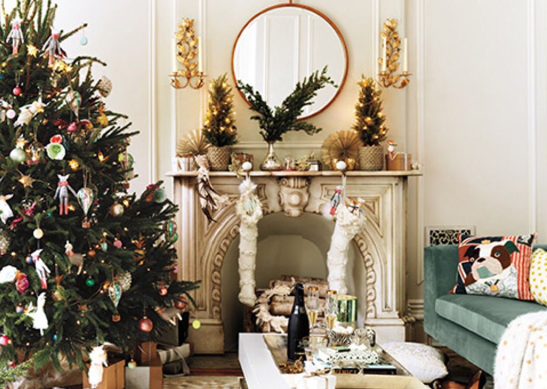 Christmas Mantle.Christmas Mantle By Anthropology Christmas Anthropologie