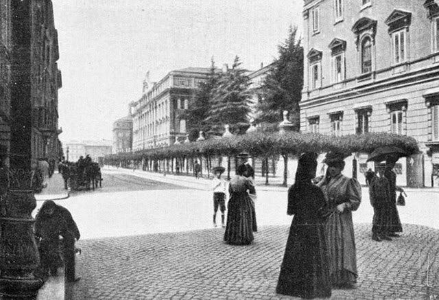 """The """"great palace"""" from via Cernaia's side, end of the 19th century."""