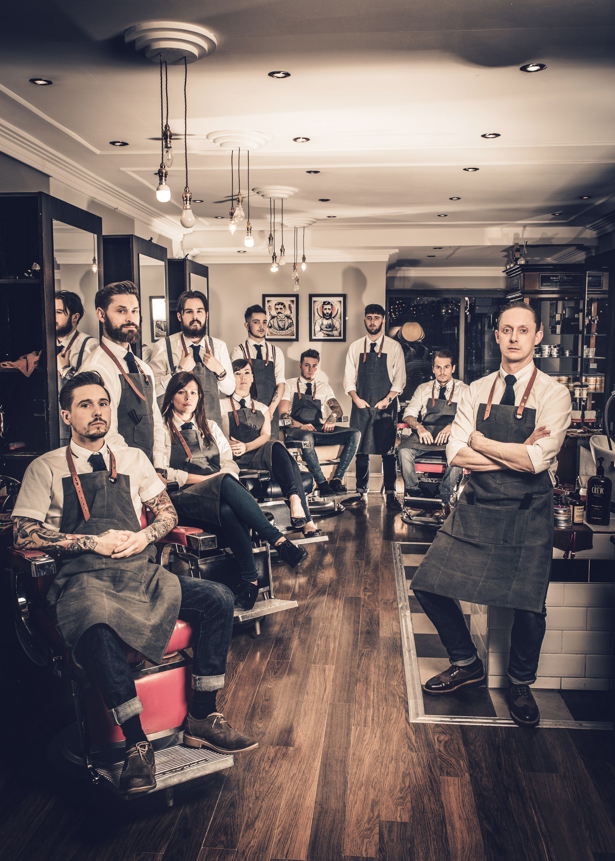 Mode magazine yorkshire barberia barber a y barbero for A line salon corte madera