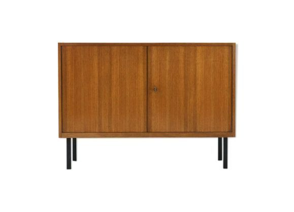 Sideboard of the 60s with two doors in walnut with square ba…