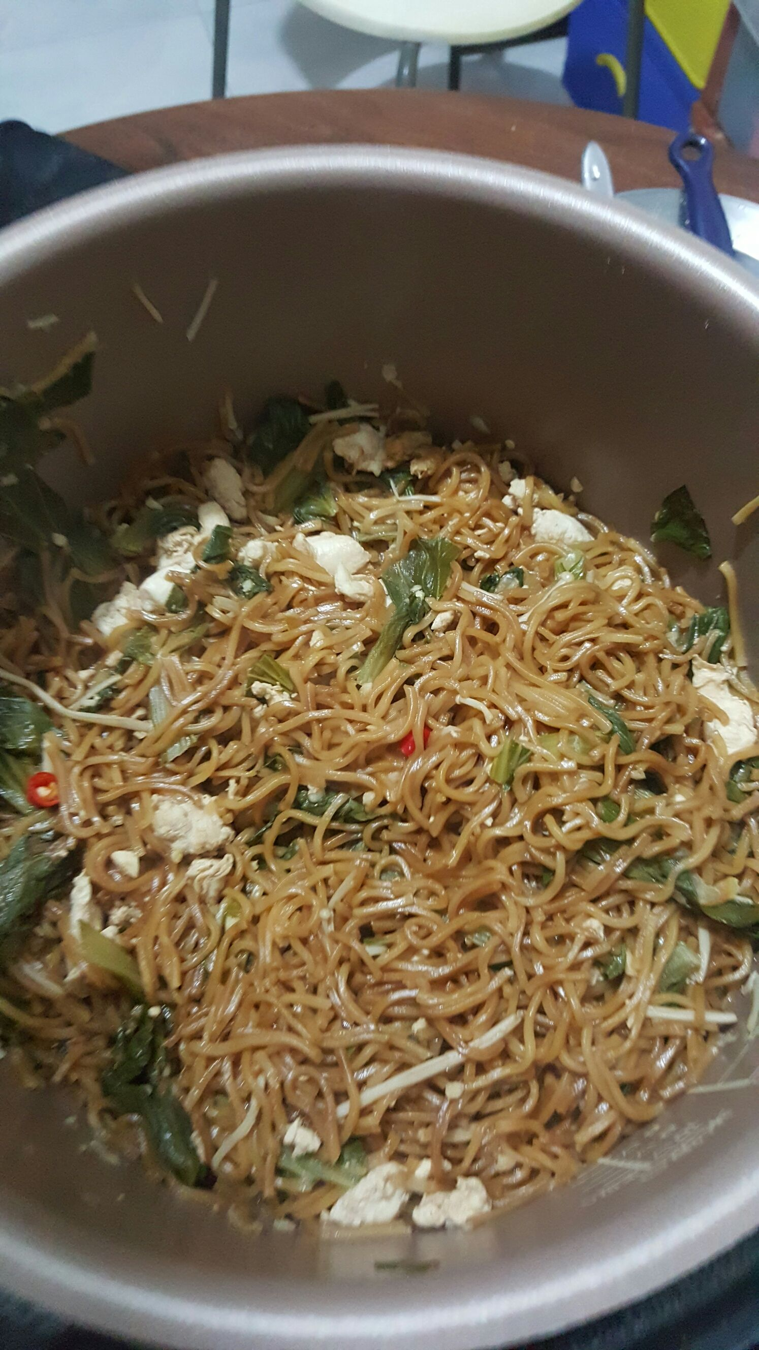 Stir fried yee mee with philips pressure cooker 21 jun for Pressure cooker fish recipes