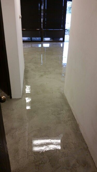 Concrete Ovelay Modern Concrete Finish With A Thick Epoxy Clear