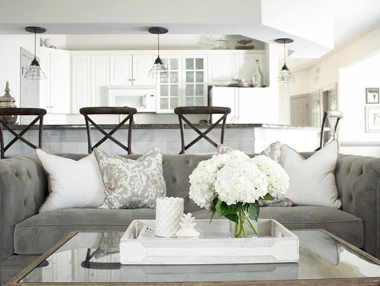 White Home Decor Ideas Elegant And Simple Rustic And Modern White Accessories Rustic Farmhouse Living Room Farm House Living Room Modern Rustic Living Room #rustic #white #living #room