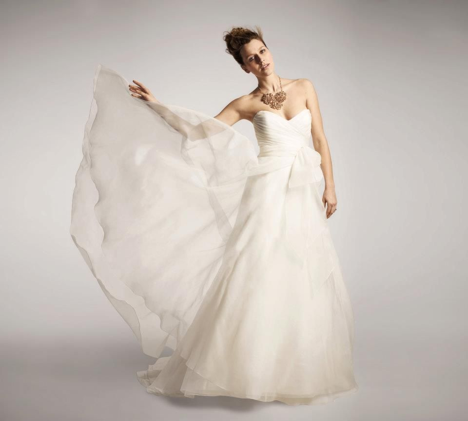 Nordstrom exclusive nouvelle amsale strapless bow gown wedding