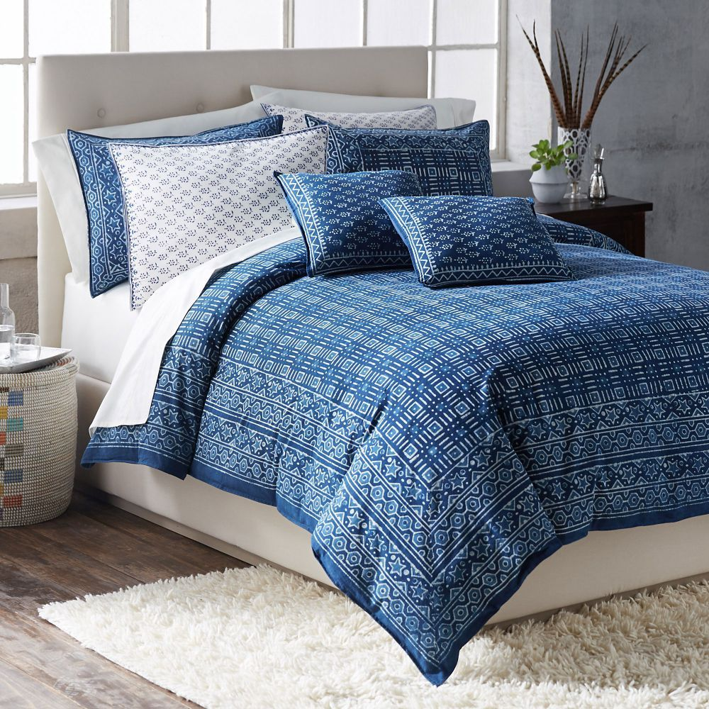 Blue bedrooms 16u0027u0027 Accent Pillow with insert