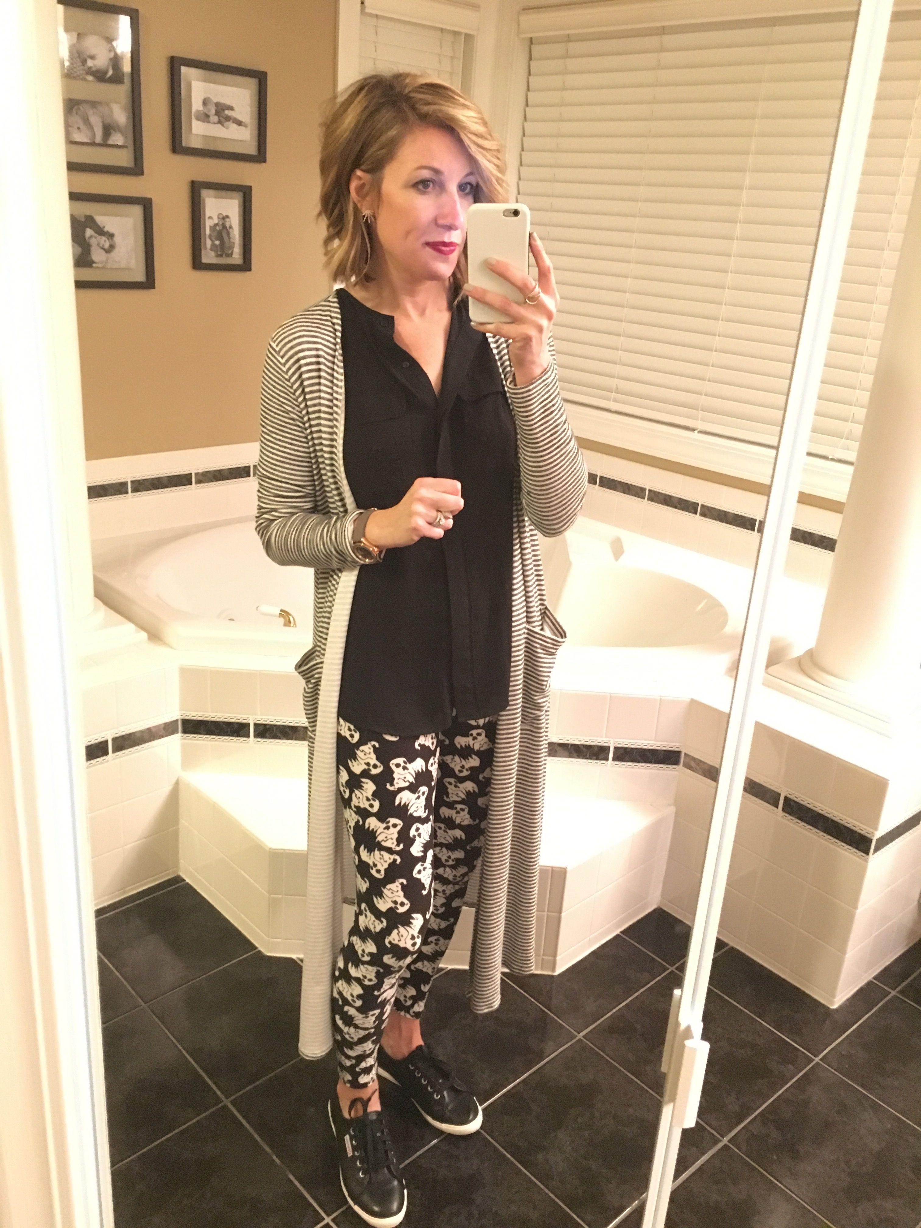 #Lularoe on repeat this weekend! #LularoeHalloweenLeggings #LularoeSarah #ToWitToWoo #MomBlogger #WIW