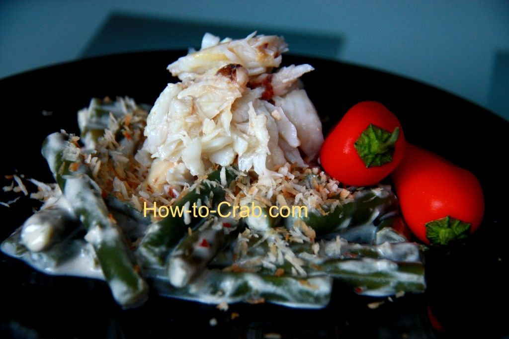 Crab meat, coconut milk and garden beans. Healthy and yummy.