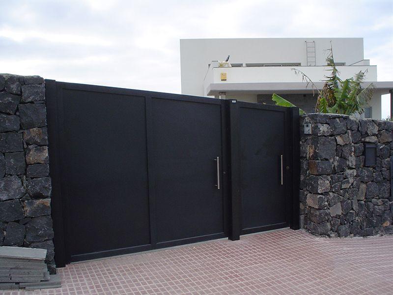 Puerta garaje metalico puertas entrada pinterest for Puertas para garajes