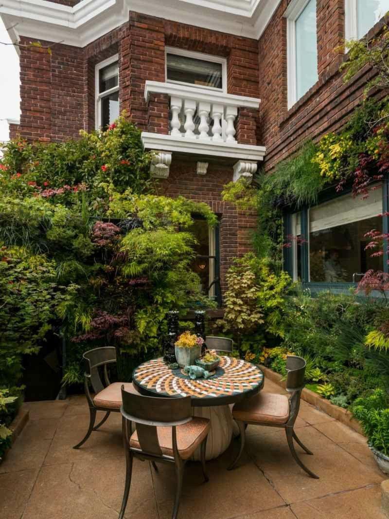 vertikaler garten - pflanzen vertikal anbauen - wandverkleidung, Gartengerate ideen