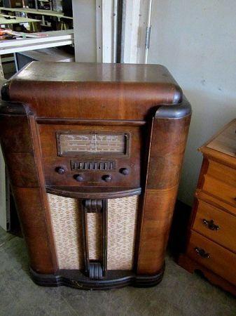 Antique Stewart Warner Magic Keyboard Shortwave Radio