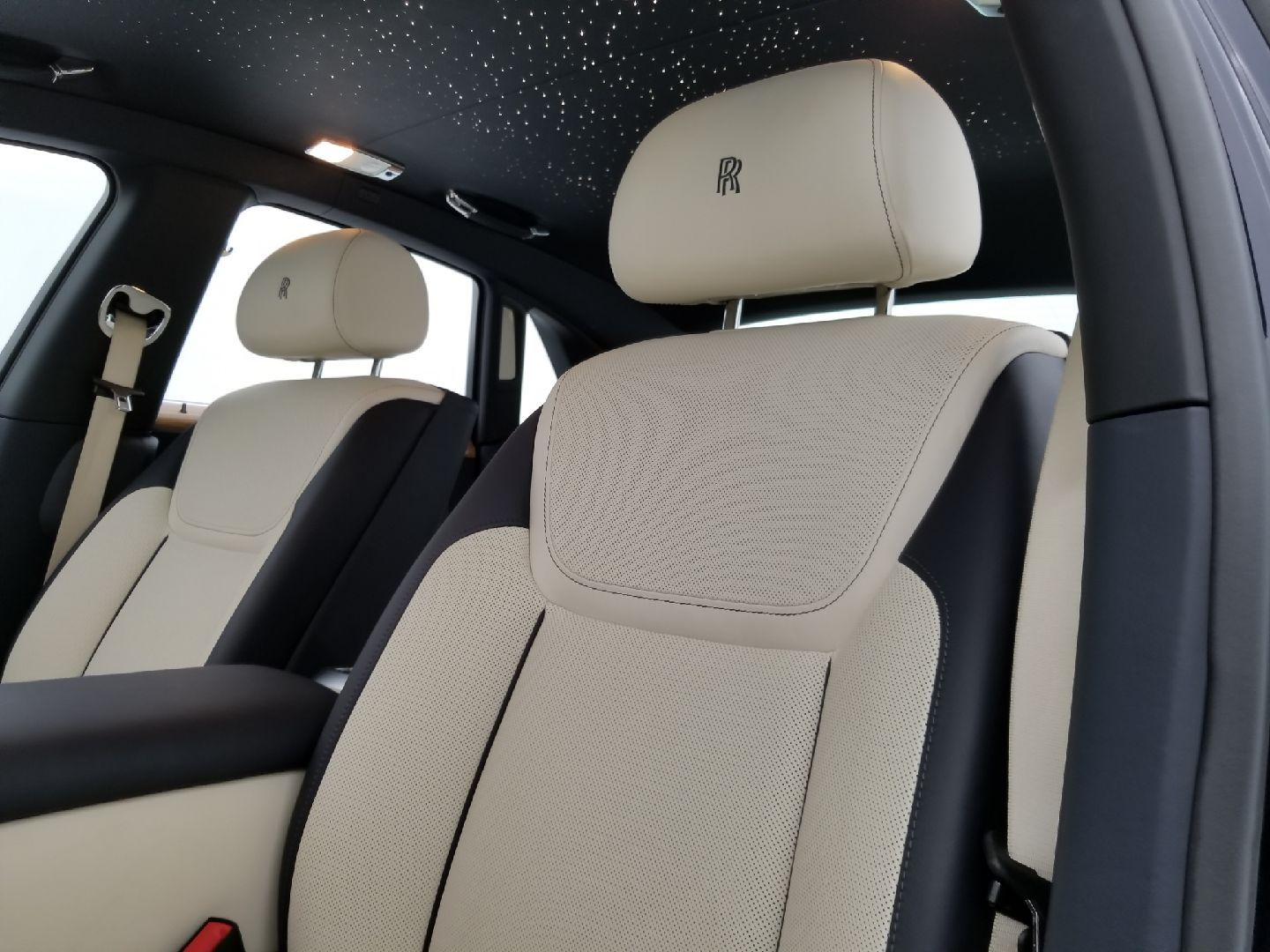 absolutely beautiful interior of rolls royce ghost cool cars rh pinterest com