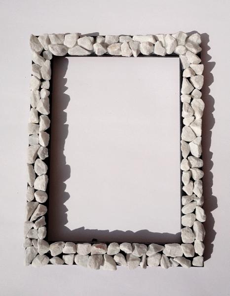 bilderrahmen mit wei en dekosteinen von artesania auf artesania pinterest. Black Bedroom Furniture Sets. Home Design Ideas