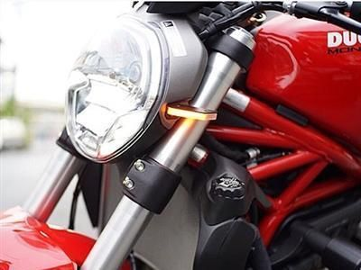 RAGE CYCLES Ducati Monster 1200R Front LED Turn Signals NEW RAGE CYCLES Ducati Monster 1200R Front LED Turn Signals