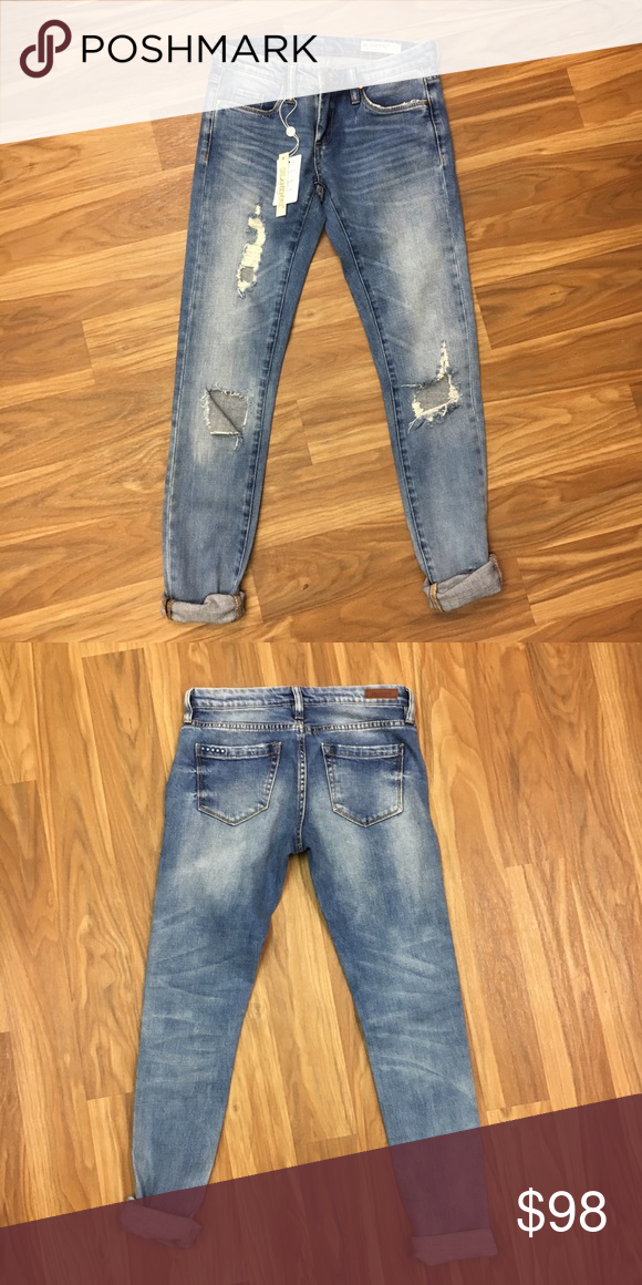 27b3a1e8e75 Blank NYC Skinny Classique ripped jeans Light wash denim classic ripped  skinny jeans from Blank NYC! Perfect for a casual day! Blank NYC Jeans  Skinny