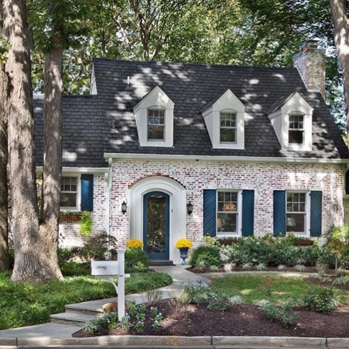 Love The White Washed Brick Dream Homes Pinterest Bricks House And Curb Appeal