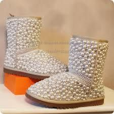 c5dd5bef0e8 Very stylish and cute D.I.Y pearl uggs that you can decorate at home ...