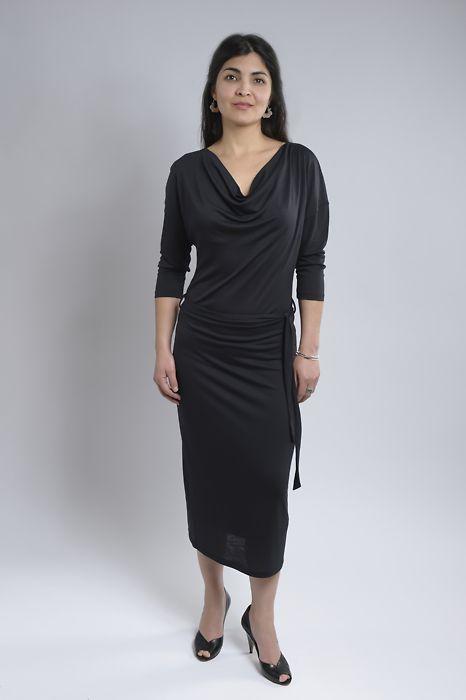 011396c41aa Studio Jux · Tencel-Kleid mit Wasserfallkragen - schwarz · fairtragen