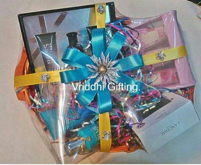 Wedding Gift India Online: Indian Wedding Trousseau Gift Packing.