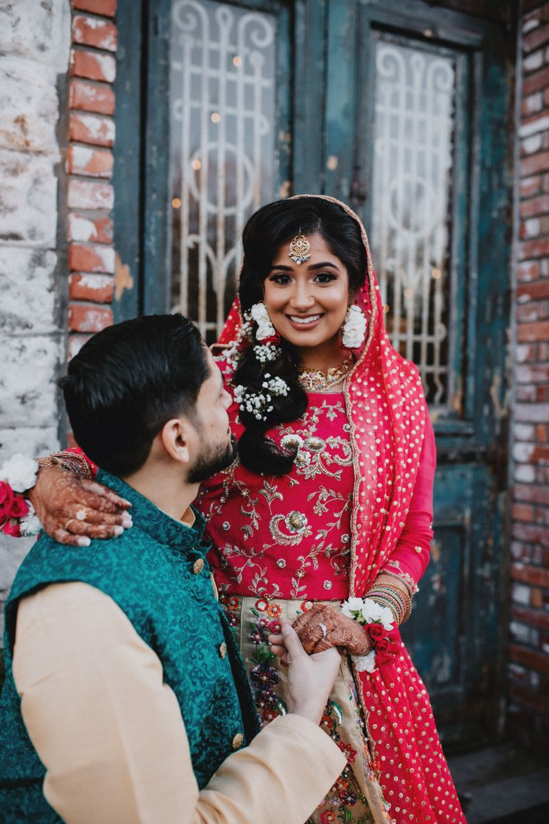 Loving these bright and bold Mehndi colors on our bride and groom!✨ Traditionally, most couples go with yellow, green and orange colors for their Mehndi outfits. I loved that Uzma and Faraaz decided to go with more vibrant colors like pink and teal! 💫 Brides- always remember you can get creative with your color choice for your outfits! Don't be afraid to try new things and start a different tradition❤️ #mehndibride #desiweddings #pakistanifashion #mehndivibes #southasianweddingphotographer #ark