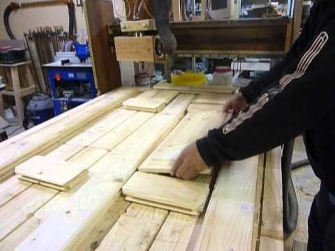 Diy木製玄関ドアの作り方 買えば20万作れば5千円 ビフォーアフター Youtube 玄関ドア 玄関ドア Diy 鉄の玄関ドア