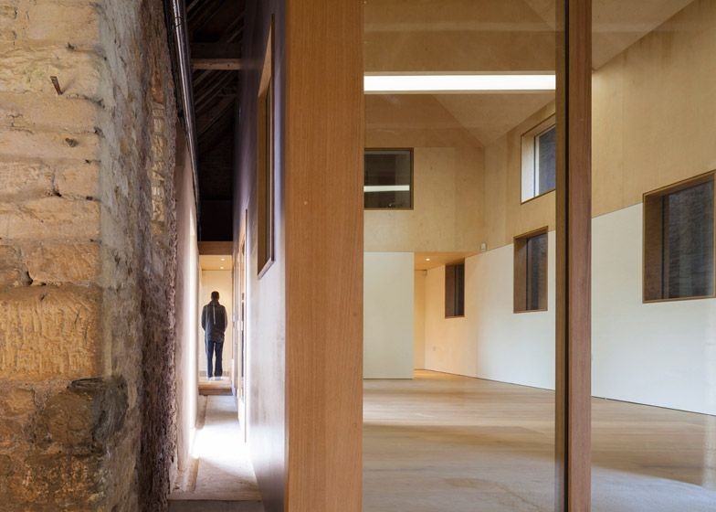 Private Art Gallery By Stonewood Design Cantilevers Into A