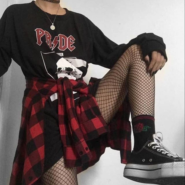 "Rock Look Book on Instagram: ""1, 2 or 3? Credit: @flatcetera ♡ ♡ ♡ ♡ #rock #rockstyle #martens #grungestyle #alternative #gothic #fashion #grunge #outfit #look #style…"""