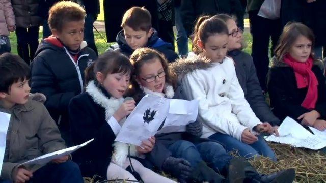 Une cérémonie commémorative pleine d'espoir à #Louviers
