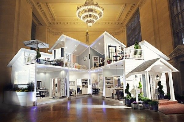Target built a life-sized dollhouse in the middle of New York's Grand Central Terminal. On May 6, just in time for rush hour, the two-story Threshold Dollhouse