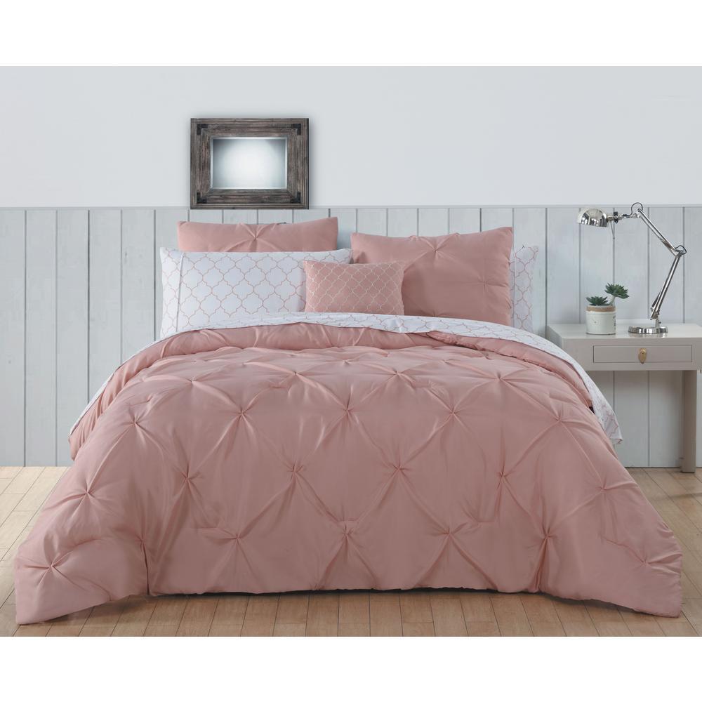 42a4ebe407f35eb2fe69cbe846d7843b - Better Homes And Gardens Aberdeen Bedding Quilt