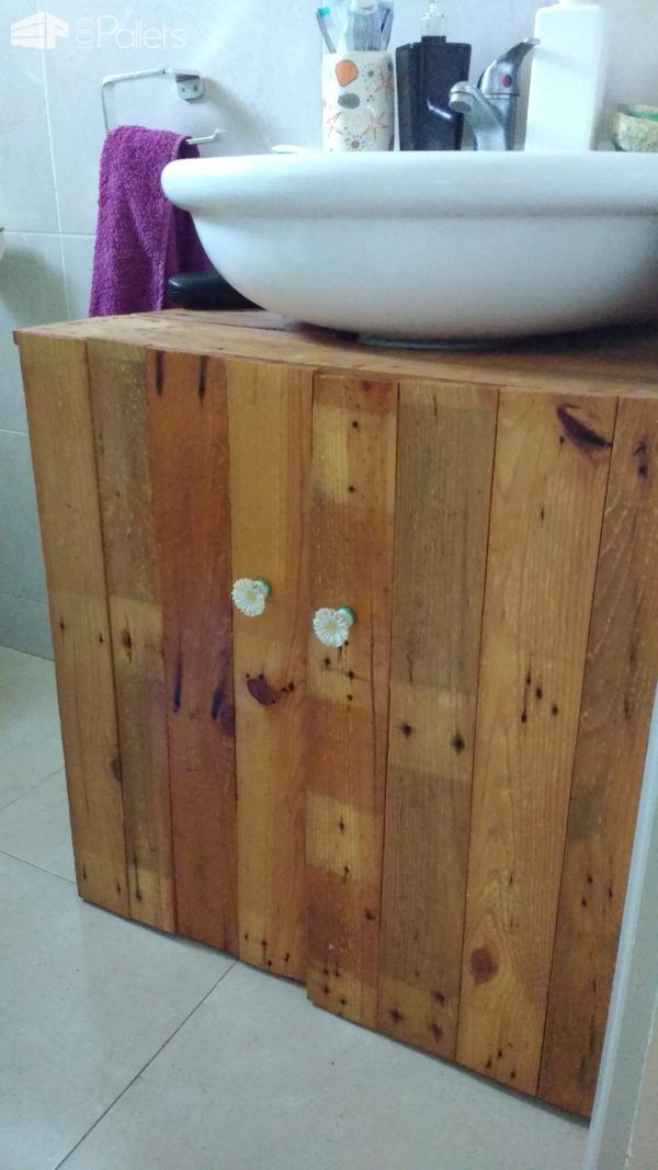 Rustic Sink Pedestal Surround Out Of 6 Repurposed Pallets