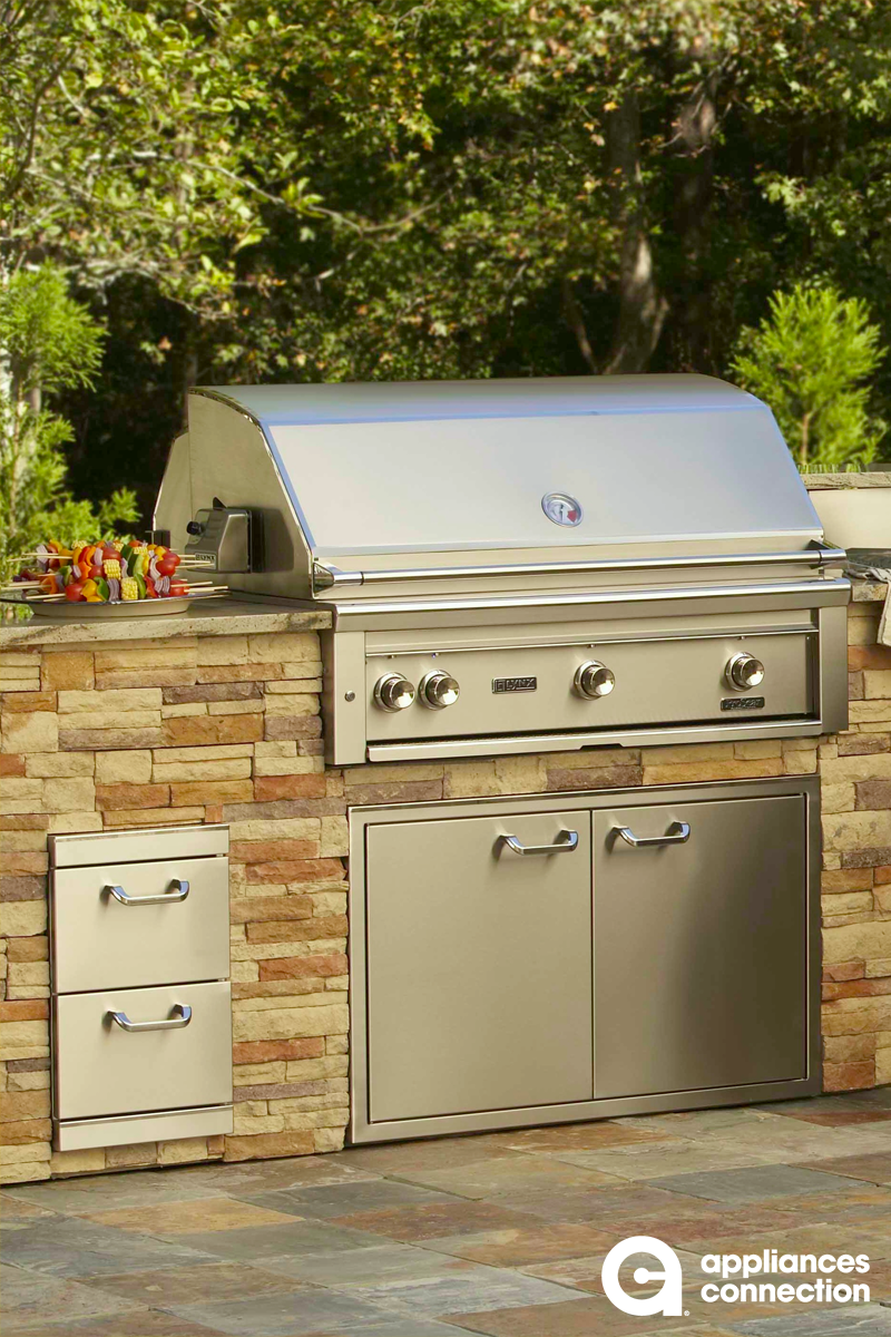 Viking Outdoor Kitchen With Grill Top Storage Drawers And Storage