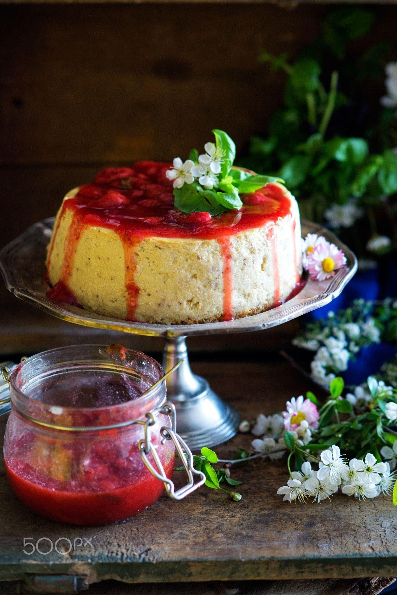 Basil cheesecake with strawberry sauce - Basil cheesecake ...