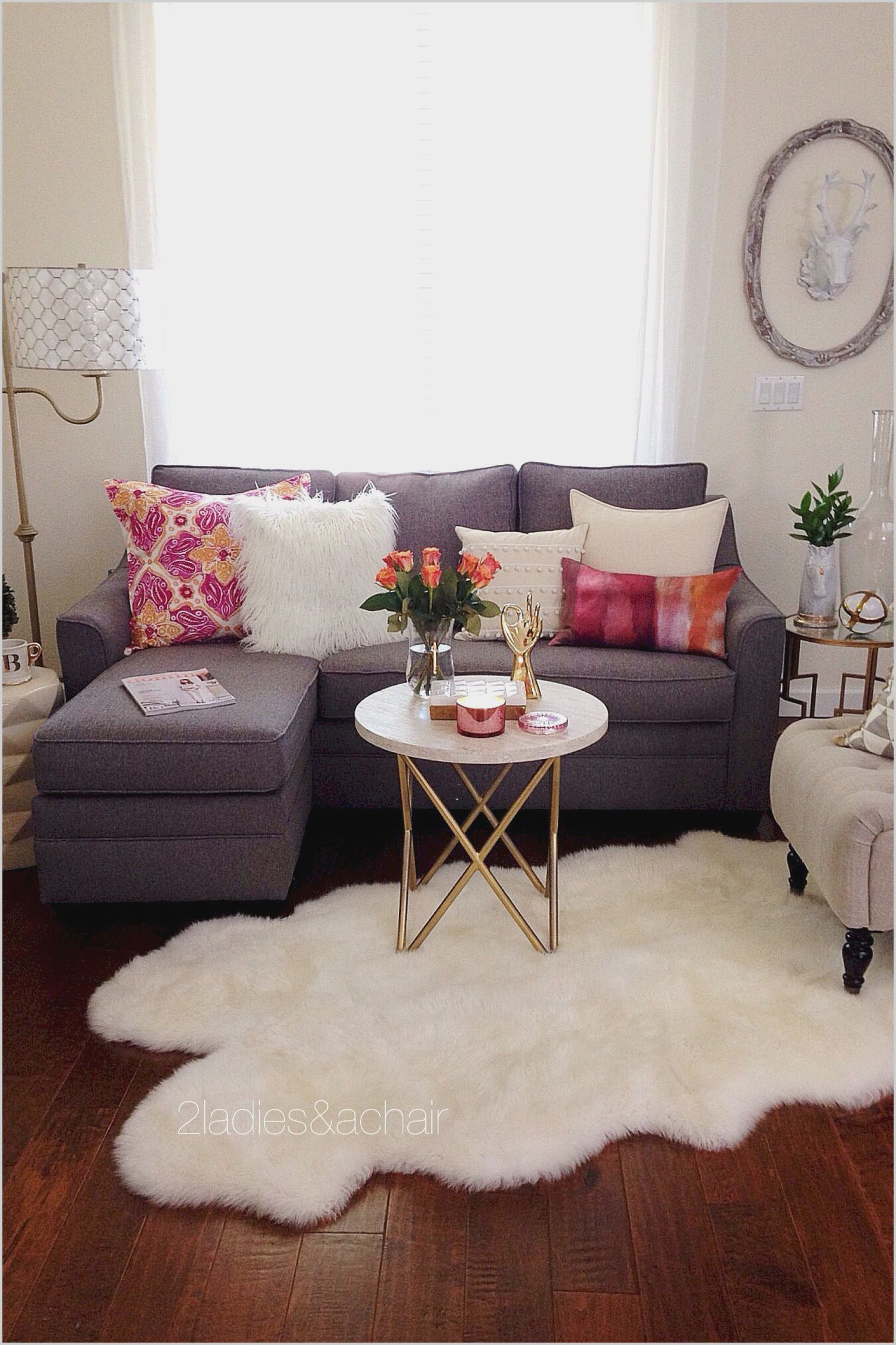 Decorate Your Living Room For Less Living Room Decor Apartment Small Apartment Decorating Small Living Rooms