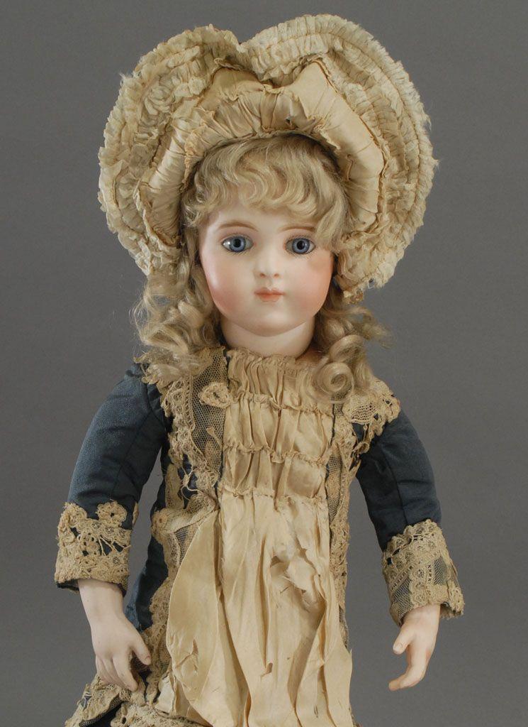 Bru Brevette french antique bebe.