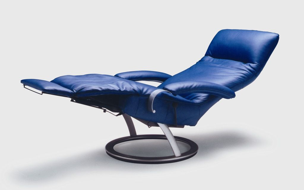 swivel recliner leather armchair with motorised functions with footstool kepler leolux furniture repins pinterest swivel recliner recliner and