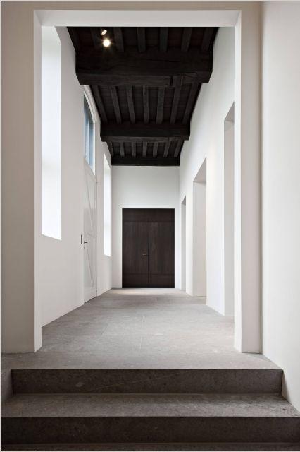 Hullebusch Fotoalbum Black Ceiling Dark Ceiling White Paneling