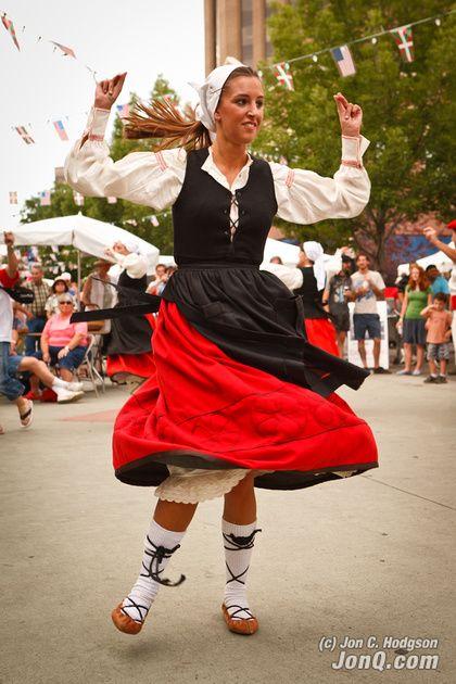 Danza vasca. /// Basque dance. | baile // dance ...