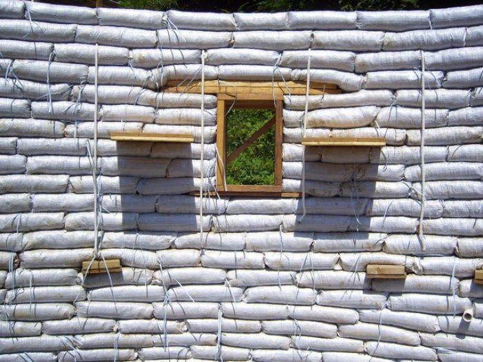 Earthbags Aprende A Hacer Una Casa Con Sacos De Tierra Paso A Paso Casas De Tierra Edificios Naturistas Casas Ecologicas