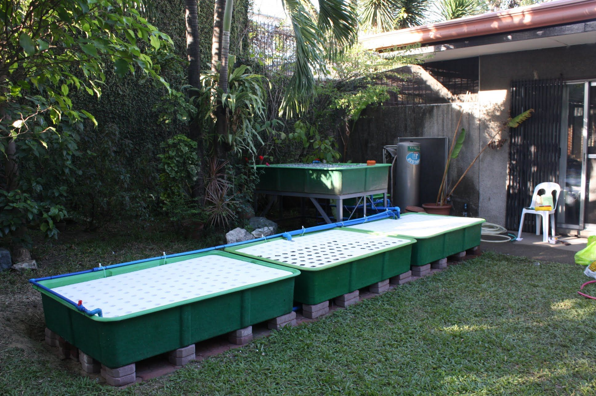 Modular Aquaponics Design and Equipment Remote Fish tank and Growbed