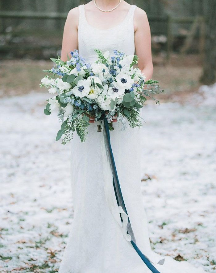 Wedding bouquet ideas for winter | itakeyou.co.uk #winter #bouquet