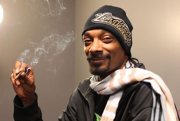 #snoopdogg #smoking #weed Snoop Dogg has a big #smile