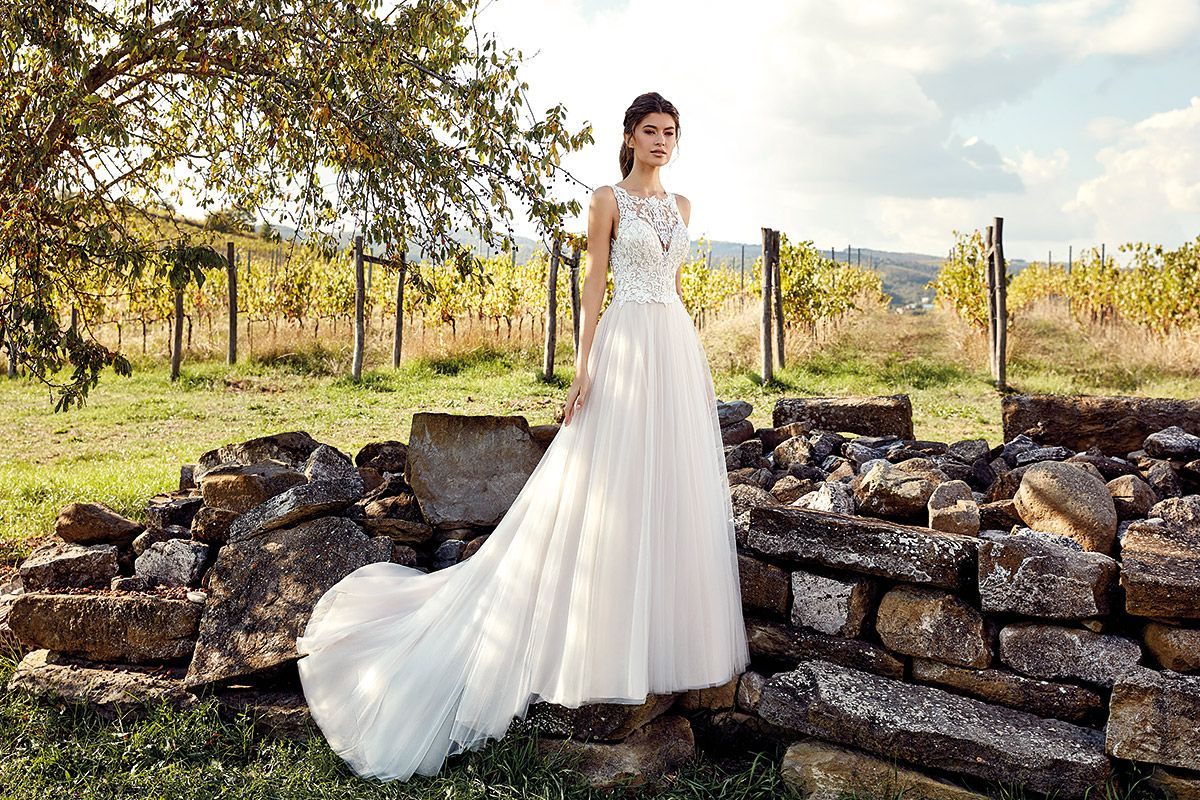 Wedding dress ek in stores late april champagne ivory