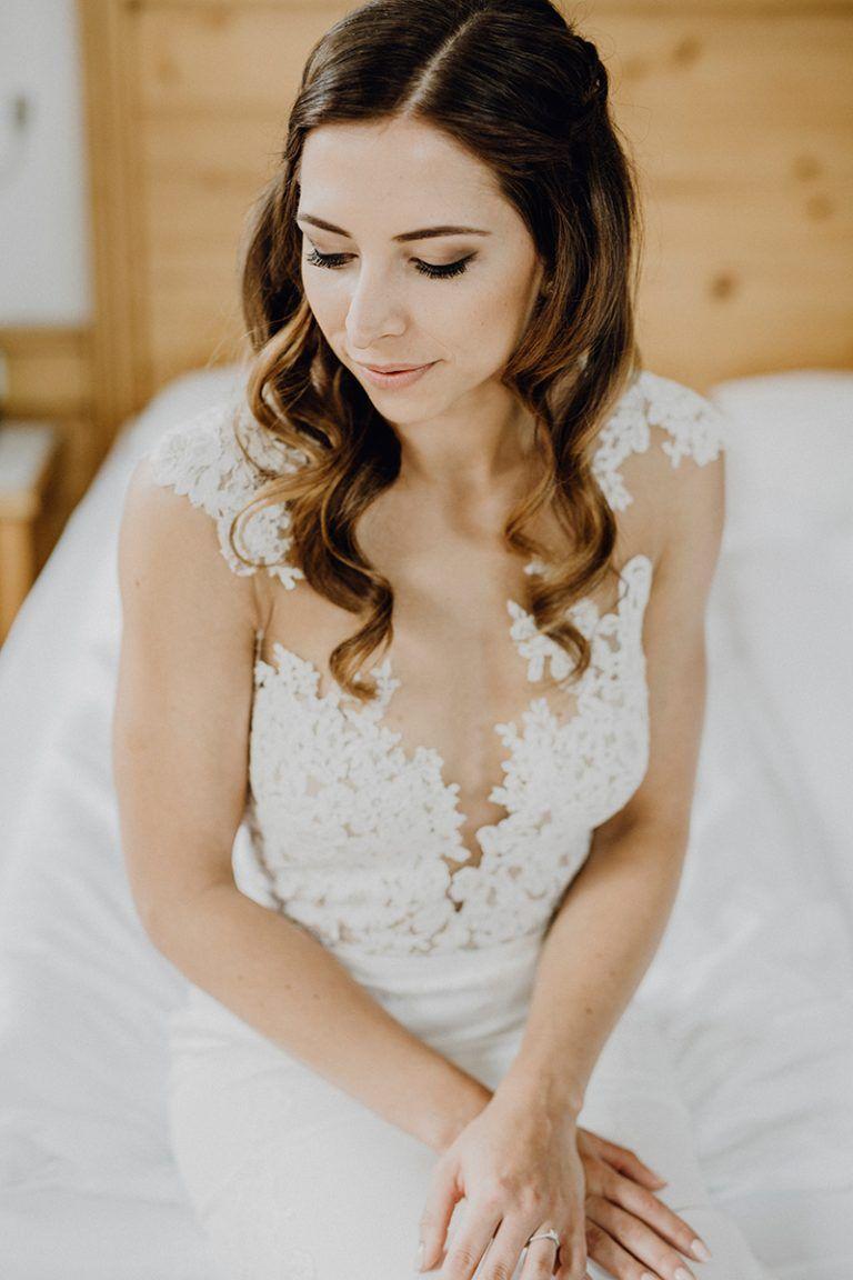 Wunderschone Alm Hochzeit Hochzeitskleid Spitze Hochzeit Braut