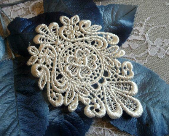 Ivory Venise Lace Applique Large Medallion Vintage Style for Gowns Costumes Crafts Scrapbook Crazy Quilts