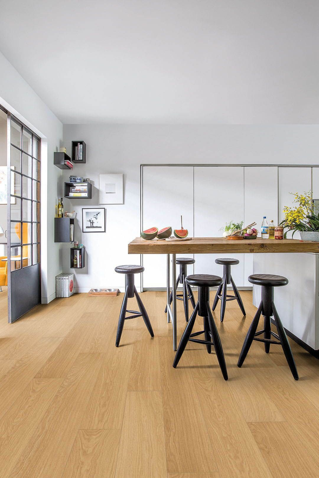 Laminate Flooring Is There A Waterproof Option Kitchen Flooring Oak Laminate Flooring Flooring