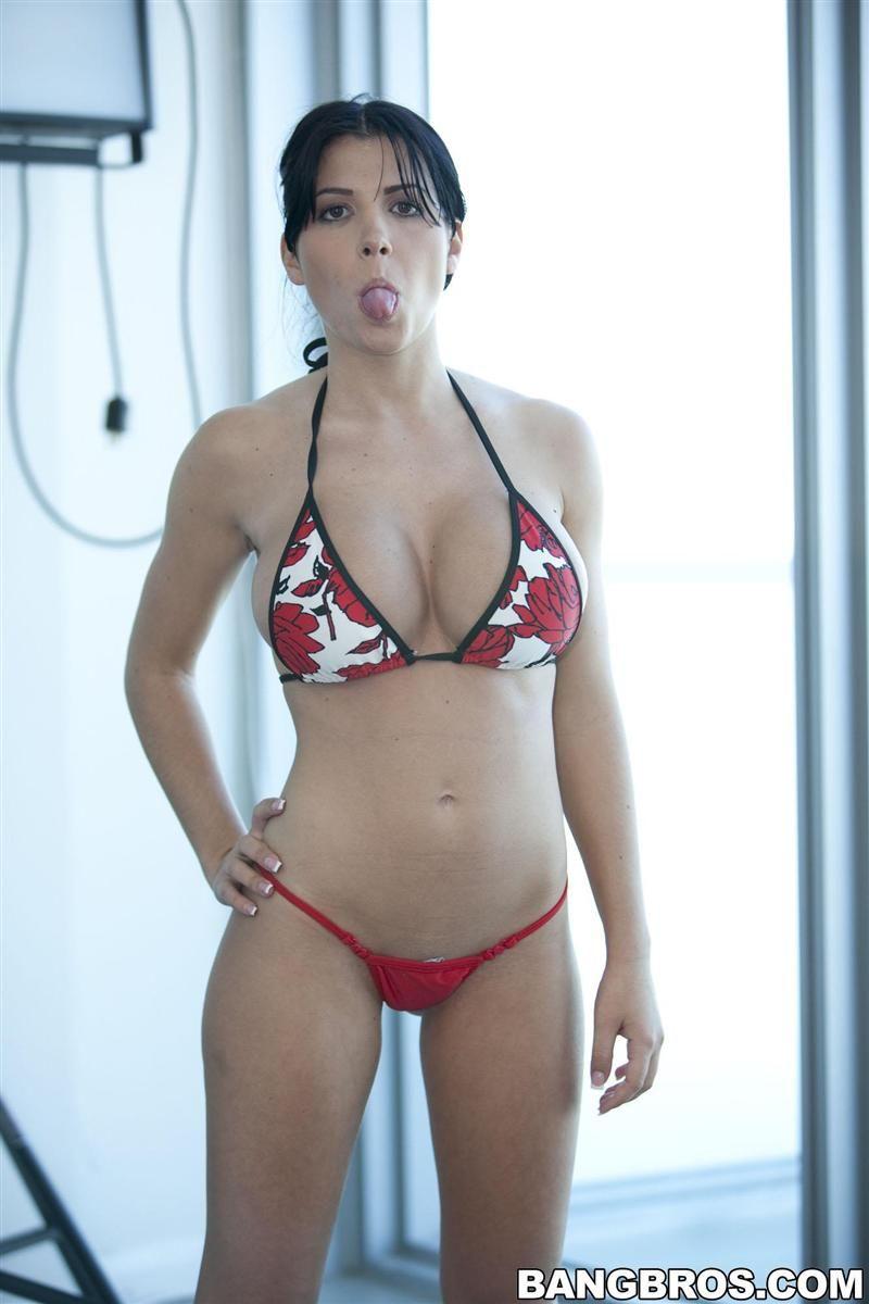 rebeca linares bikini